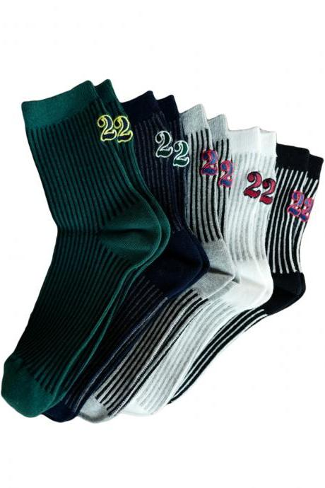 Women's 3 Pairs Letter Pattern Vertical Stripe Thicken Crew Socks